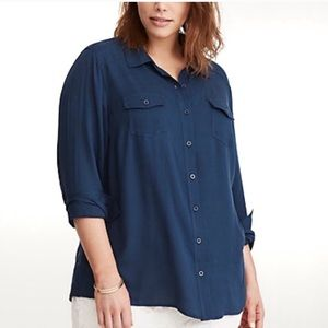Torrid navy blue shadow stripe button down size 2